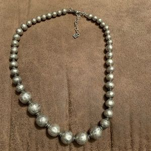 Atmospheric necklace